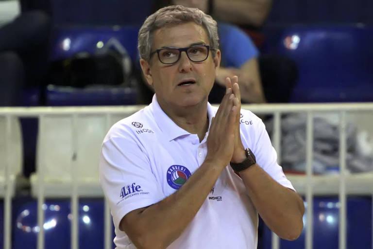 Zé Roberto durante partida do São Paulo/Barueru contra o São Cristóvão/São Caetano pelas quartas de final do Paulista