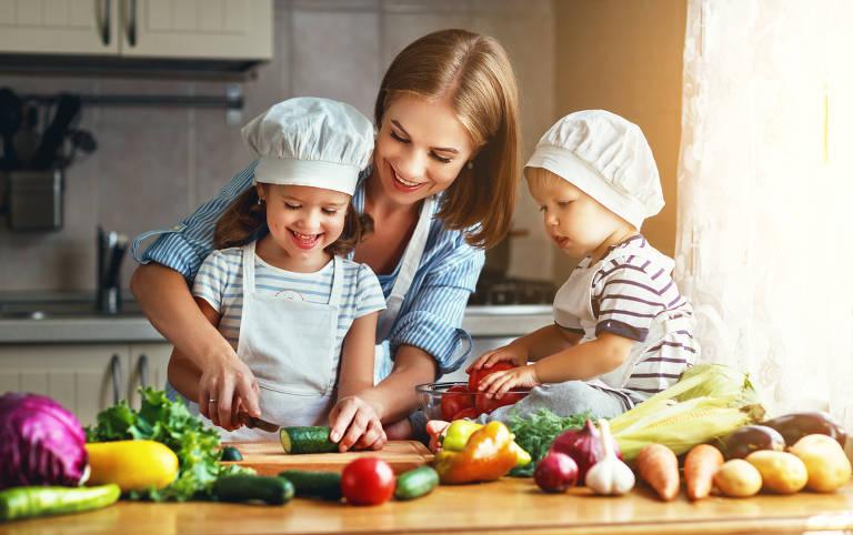 Comer bem não significa comer muito ou pouco. É alimentar-se de forma variada, além de estar aberto a  novidades gastronômicas