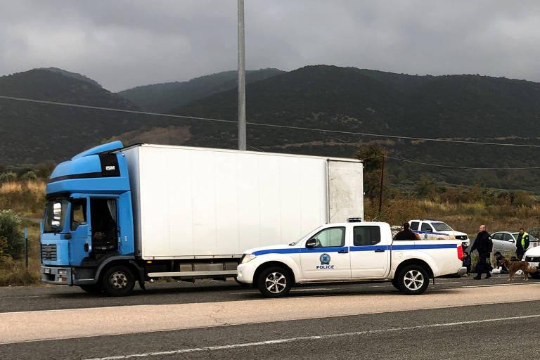 Resultado de imagem para grécia 41 refugiados