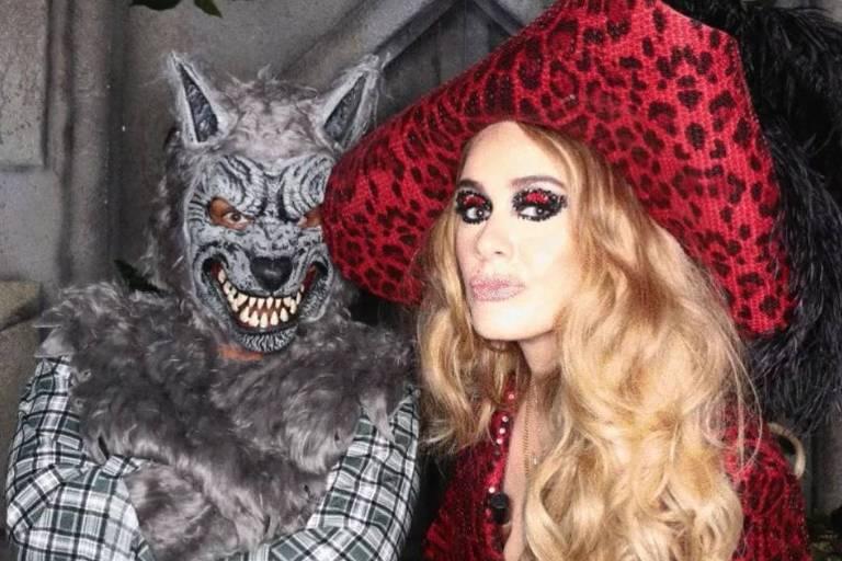 A cantora Adele Laurie Blue Adkins MBE, mais conhecida como Adele, durante festa de halloween