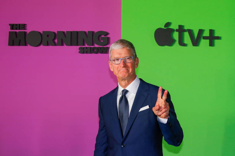 Tim Cook, presidente-executivo da Apple no programa The Morning Show;