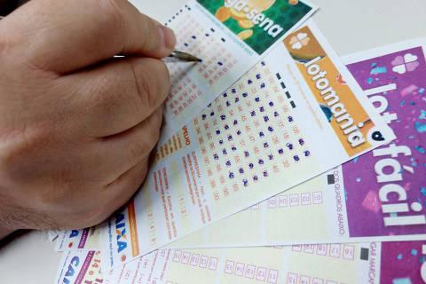 Sao Paulo, SP, 31.10.2019 - Jogos de loteria. Mega sena, Lotofacil e Lotomania. Foto Daniel Mobilia/Folhapress