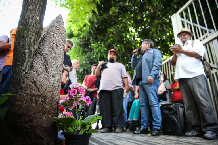 Grupo faz ato em SP nos 50 anos da morte de Marighella; veja fotos de hoje
