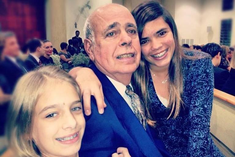 Pesquisador Gastão Moraes da Silveira e as netas
