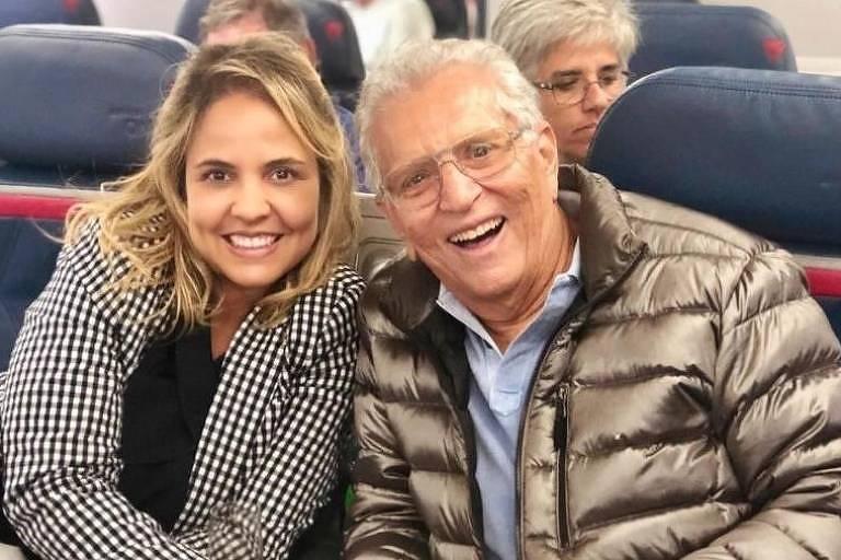 O humorista Carlos Alberto de Nóbrega e Renata Domingues