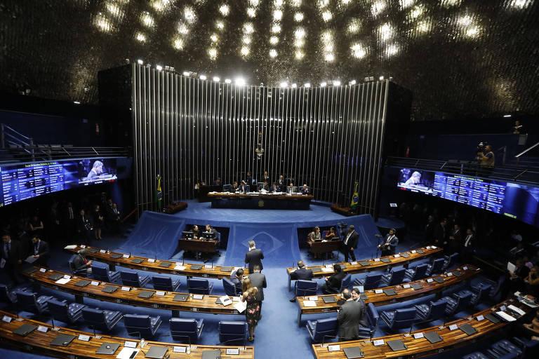 Presidente Jair Bolsonaro entrega pacote legislativo em ato no Senado