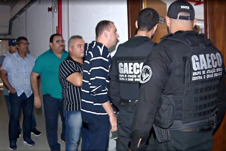 Agentes do Gaeco prendem 11 vereadores de Santa Rita (PB) suspeitos de desviar dinheiro público para viagem