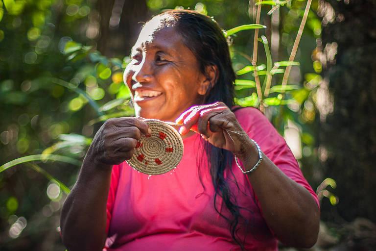 Artesanato de indígenas venezuelanas warao