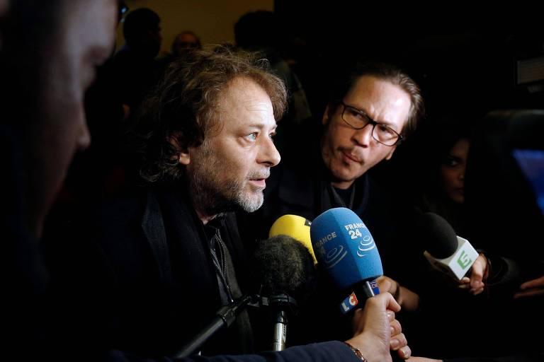 Diretor francês Christophe Ruggia em uma coletiva de imprensa para responder sobre as acusações de abuso sexual