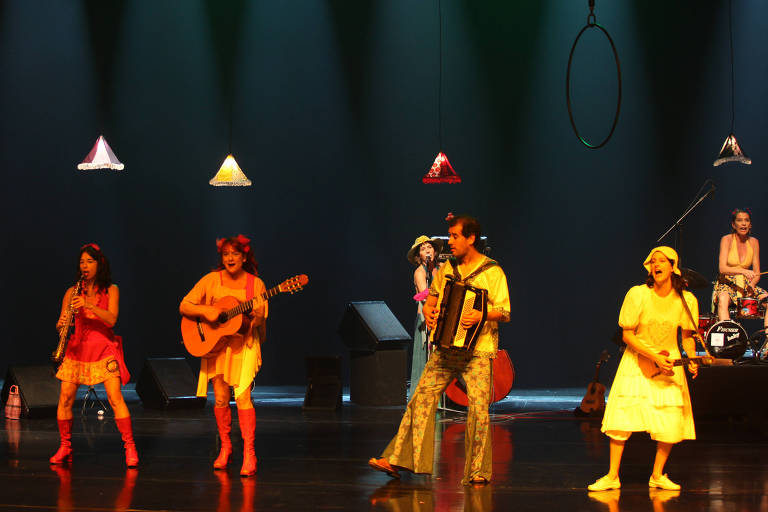 """Cena do musical infantil """"Felizardo"""", da Banda Mirim"""