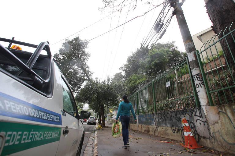 Local onde Maria Aparecida Cardoso, 40, morreu eletrocutada no Capão Redondo, na zona sul da capital paulista