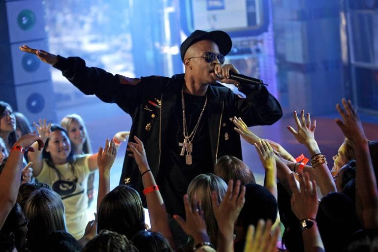 Rapper T.I. canta em evento da MTV americana, em 2007