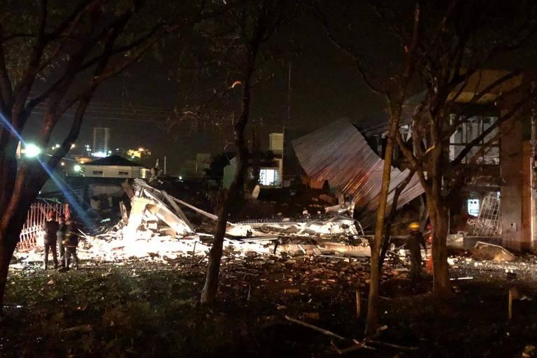 Prédio de panificadora da cidade de Formiga, em Minas, destruído após explosão