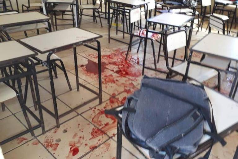 Sala de aula onde dois alunos ficaram feridos em escola da zona rural de Caraí (MG)