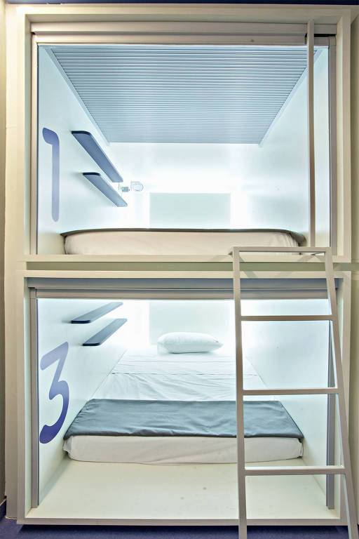Dois quadrados com cama na cápsula de 2 metros quadrados lançada pela construtora Vitacon na região do Itaim/Vila Olímpia