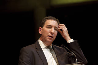 O jornalista Glenn Greenwald ao receber prêmio especial Vladimir Herzog em 2019