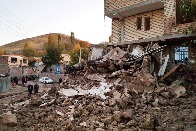 Terremoto no Irã fere mais de 300 e mata 6