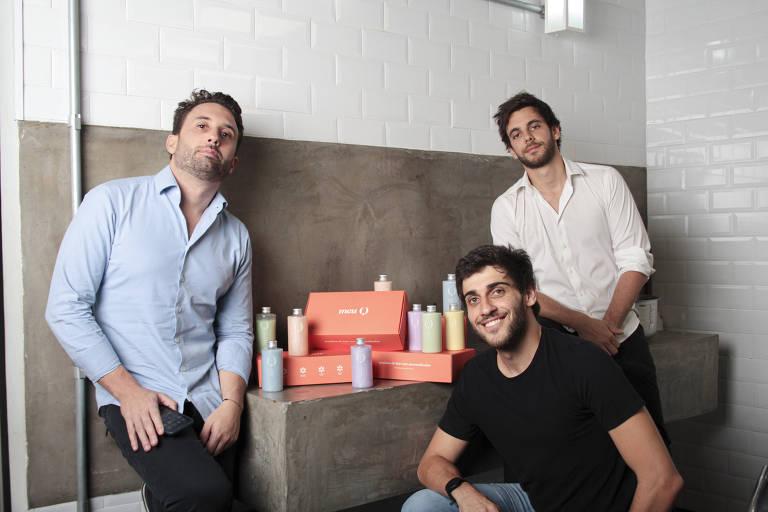 Pedro Nunes, Lucas Barchetta e Dimitri Ribeiro, sócios da empresa de produtos personalizados Meu Q