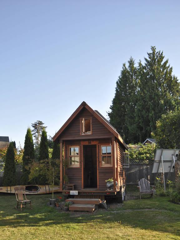 Casa móvel em um quintal de Portland, Oregon (EUA)