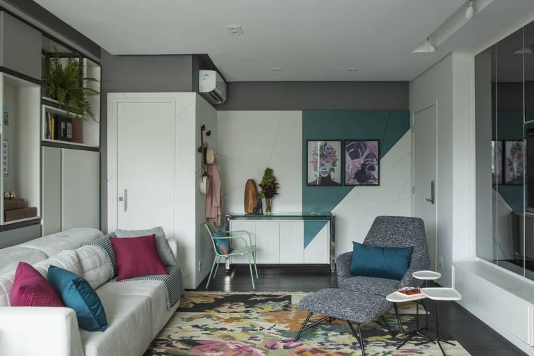 Decoração ajuda a ampliar espaço de apartamento compacto
