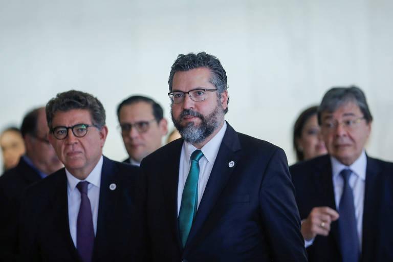 O ministro das Relações Exteriores Ernesto Araujo (no centro) durante a reunião do Grupo de Lima