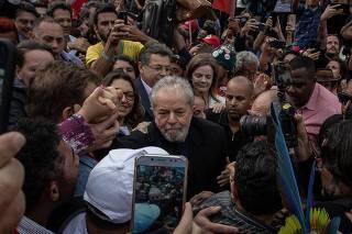 Lula deixa carceragem da PF de Curitiba (PR)