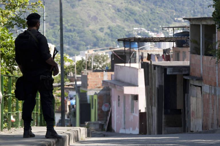 Policial do Bope durante inauguração da nova Unidade de Policia Pacificadora na favela da Mangueira, no bairro de São Cristóvão, zona norte do Rio, em 03 de novembro 2011.