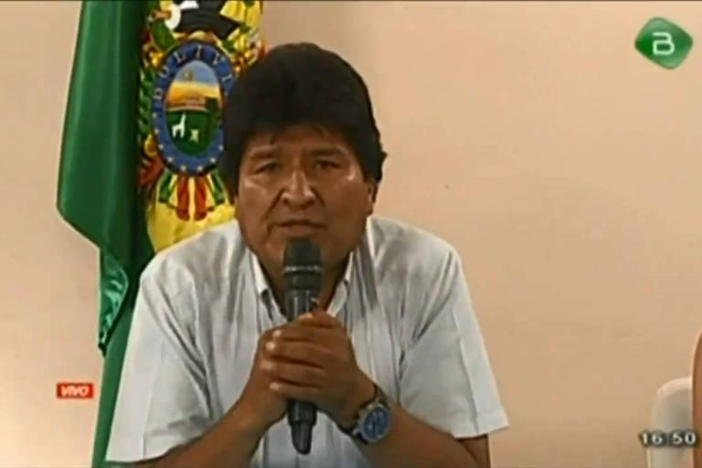 Imagem de TV no momento em que Evo Morales anunciou que renunciava à Presidência da Bolívia