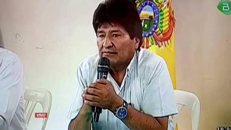 Para comemorar renúncia de Evo, Bolsonaro volta a usar 'grande dia' e sinal de joinha - Notícias - Plantão Diário