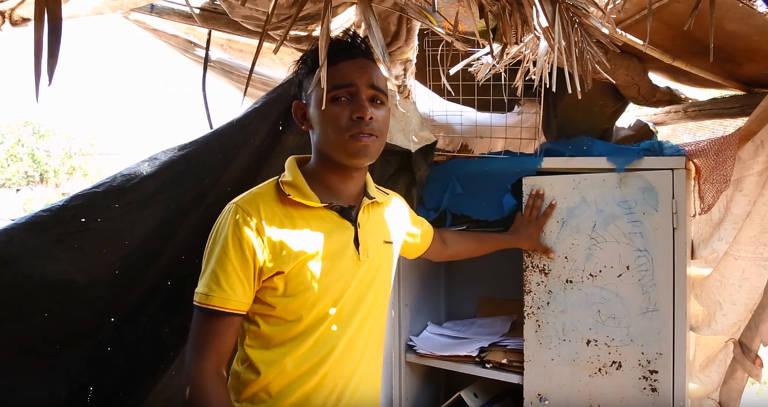 Escola de lona e materiais recicláveis criada por Carlos André Costa Rocha da Silva, 21, em Miracema do Tocantins (TO)