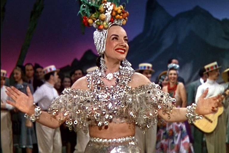 """Carmen Miranda no filme """"Uma Noite no Rio"""""""