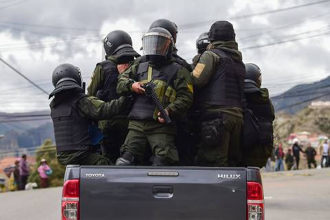 Apoiadores de Evo tomam La Paz aos gritos de 'guerra civil'