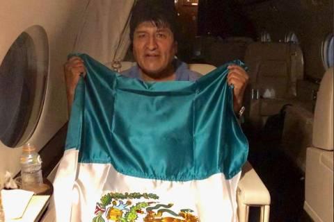Evo Morales deixa a Bolívia rumo ao México
