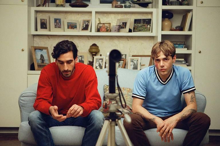 """""""Matthias e Maxime"""": Depois de se beijarem para uma cena de um curta-metragem acadêmico, dois jovens descobrem que podem ter mais do que uma amizade"""