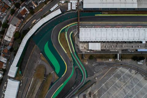 SÃO PAULO, SP, BRASIL, 05-11-2019: Vista aérea do S do Senna no autódromo de Interlagos que está recebendo os últimos retoques para sediar o GP do Brasil de Fórmula 1 entre os dias 15 e 17 de Novembro. Interlagos recebe a prova desde 1990, mas vive em concorrência com o Rio de Janeiro. (Foto: Eduardo Anizelli/ Folhapress, ESPORTE) ***EXCLUSIVO***