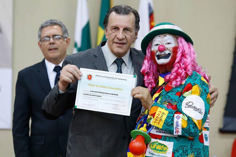 Palhaço Lero Lero Nariz de Farelo recebe homenagem na Câmara Municipal de Maringá