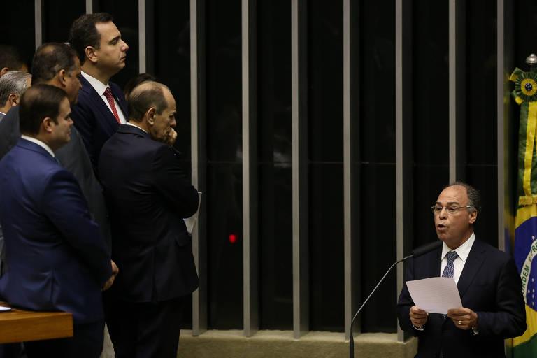 O senador Fernando Bezerra (MDB-PE); segundo ele, Congresso pode substituir cobrança sobre seguro-desemprego