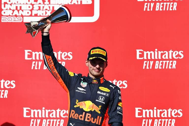 Verstappen celebra o terceiro lugar no GP de Austin, nos Estados Unidos