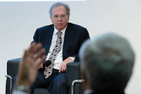 Guedes pede sinal verde de líderes no Congresso antes de reforma administrativa