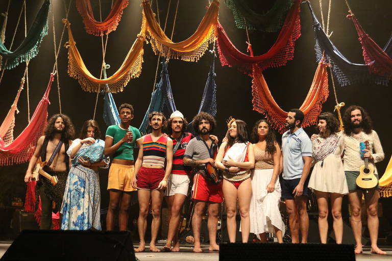 Veja imagens do musical 'Novos Baianos'