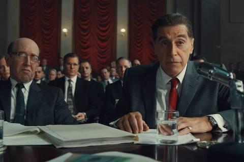 Al Pacino (à direita), que vive o líder sindical Jimmy Hoffa;