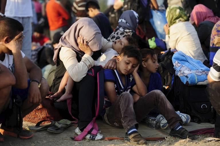 Imigrantes na fronteira da Grécia com a Macedônia