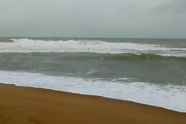 Praia de Regência,  no Espírito Santo, atingida pela lama de rejeitos de Mariana em 2015