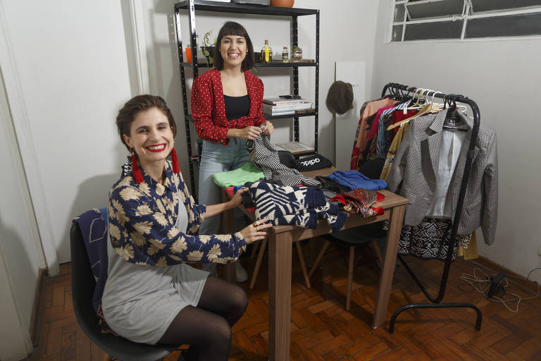 Bazares de troca de roupas entre amigas