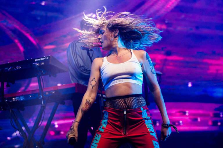A cantora Tove Lo em show do Lollapalooza Brasil 2017, em Interlagos