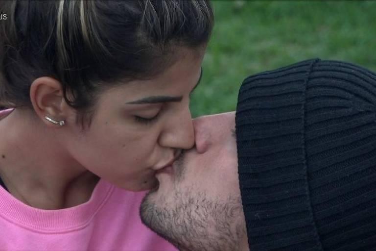 Hariany Almeida e Lucas Viana voltam a ficar juntos em A Fazenda 11