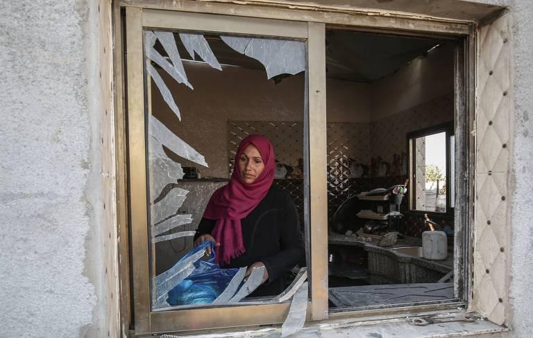 Destruição causada por bombardeios na Faixa de Gaza