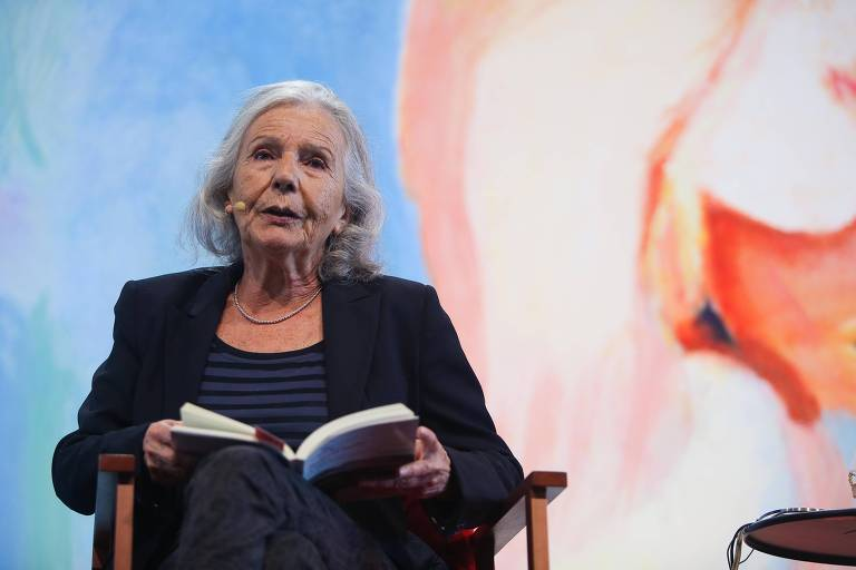 A escritora argentina Beatriz Sarlo na Flip, em 2015