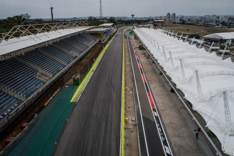 As arquibancadas e a reta principal do circuito de Interlagos