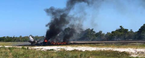 14.11.2019, Avião com nove ocupantes cai ao pousar em resort em Maraú, na Bahia  Crédito: Barra Grande 24hrs